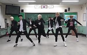 7 korean adolescence fuck in classroom