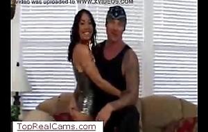 Diretta Plunder Fistfucking su TopRealCams.com