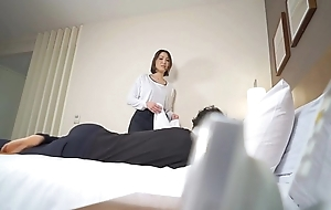 Subtitled Japanese New Zealand pub massage leads here blowjob in HD