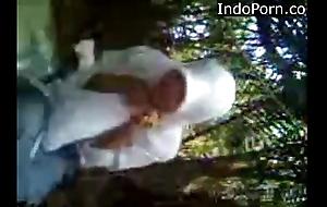 anak Matriarch jilbab ngentot di hutan- Indo