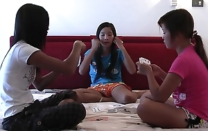 Lio, Mee and Nueng plays strippoker part I