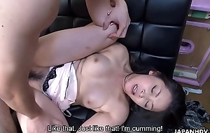 Engulfing a dick then property drilled beside her soaking messy pussy